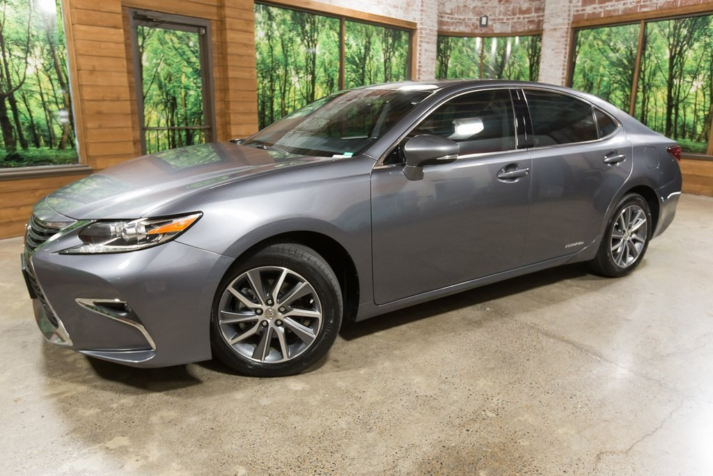Pre-Owned 2016 Lexus ES 300h LUXURY PKG, Sunroof, Navigation, 1-Owner
