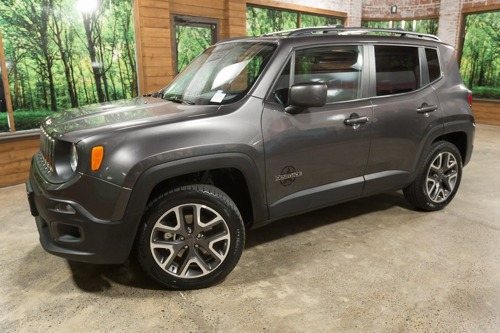 Pre-Owned 2016 Jeep Renegade Latitude 4WD, 1-Owner, Low Mieage