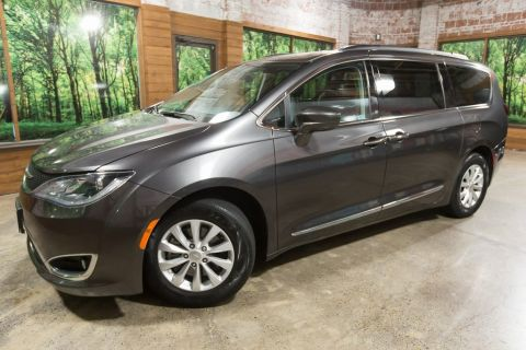 Used Chrysler Pacifica Newberg Or